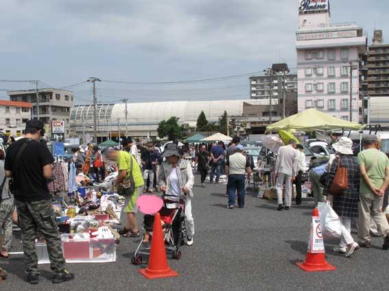 船橋競馬場フリーマーケット